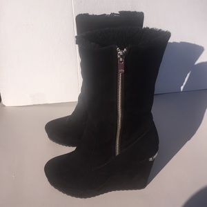 JUICY COUTURE BLACK WEDGE BOOTS SIZE 7